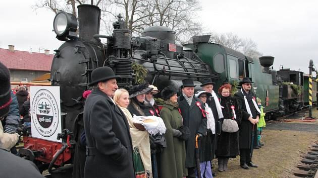 Výročí úzkokolejné dráhy Jindřichův Hradec – Obrataň se ve velké stylu slavilo 27. prosince také na nádraží v Kamenici nad Lipou.