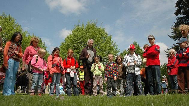 Na dětskou vikariátní pouť, která se v Nové Cerekvi uskutečnila již po druhé, celkově po třinácté, si našly cestu početné skupinky dětí, mezi nimiž nechyběly ani početné rodiny.