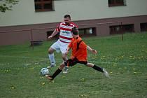 V roli favoritů přijeli fotbalisté N. Rychnova B do Senožat. Body odvezli, ale Senožaty hodně vzdorovaly.