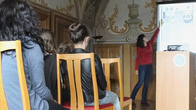 Ve čtvrtek se žáci devátých ročníků Základní školy Krásovy domky vydali na přednášku do pelhřimovského Muzea Vysočiny.