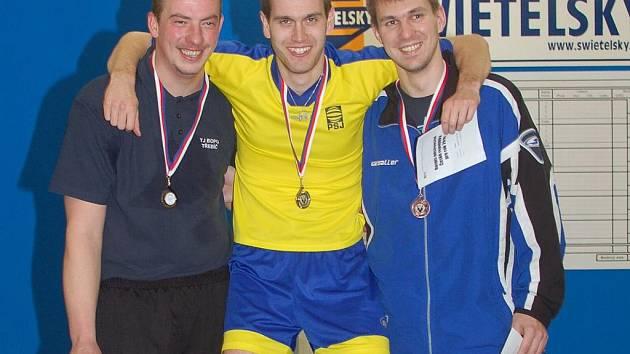 Na stupních vítězů se v Pelhřimově sešli třebíčský Robert Pevný, Jan Kotyza a Stanislav Partl z PSJ Jihlava (zleva).