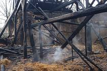 V Onšově shořela uplynulý pátek v noci stodola, někdo ji zřejmě zapálil.
