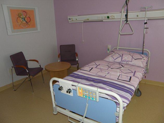 Nové nadstandardní pokoje v pelhřimovské nemocnici jsou mezi pacienty žádané.