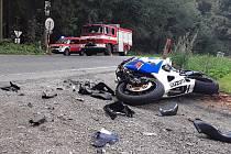 Hasiči zasahovali u srážky motocyklu s osobním automobilem.