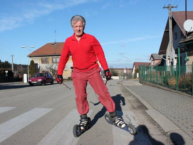 Zbyněk Fojtášek se věnuje letnímu lyžování.
