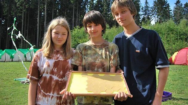 Táborníci ve Chválkově u Černovic