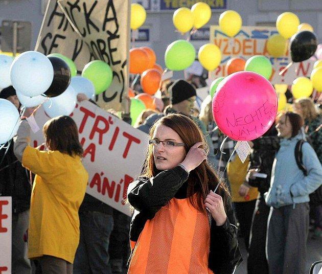 Demonstrace studentů Gymnázia Dr. Aleše Hrdičky