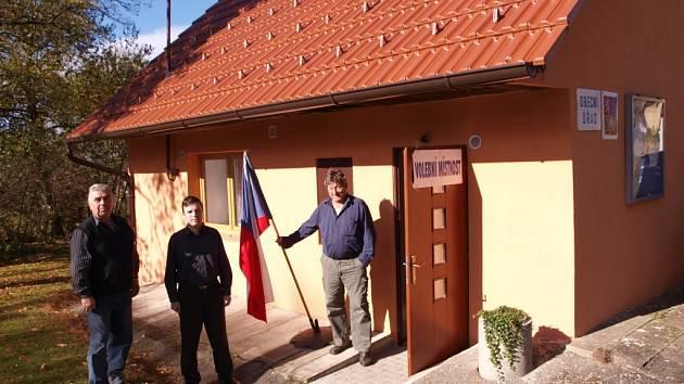 Volební místnost se ve Vysoké Lhotě nacházela v nově zrekonstruované budově obecního úřadu.