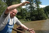 Želivka zahrozila třetím povodňovým stupněm v Poříčí u Křelovic