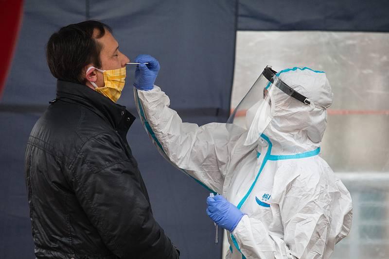 Antigenní testování na covid-19 pro veřejnost v Nemocnici Pelhřimov.