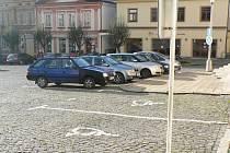Pacovští vyřešili parkování na náměstí.
