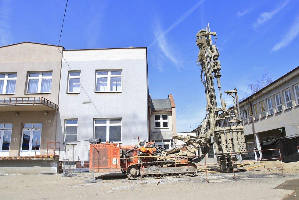 Stavba nového pavilonu Nemocnice Pelhřimov.