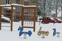 Děti v Pacově si mají kde hrát. Město pro ně vybudovalo nová, modernější dětská hřiště