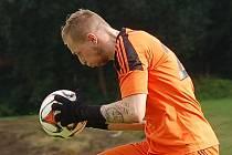 Brankář HFK Třebíč Patrik Duba sice dostal v Žirovnici pět gólů, ale od té doby je neprůstřelný. Čistá konta si připsal v zápasech proti Velkému Meziříčí B a Nové Vsi.