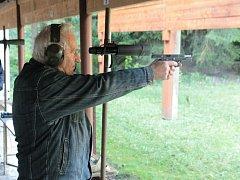 V sobotu 30. září dopoledne se na košetické střelnici konalo závěrečné kolo letošní soutěže ve střelbě z pistole.