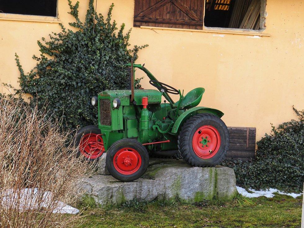 Traktor Deutz ve Vokově na Pelhřimovsku. Foto: Miroslav Galko