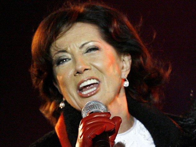 Marie Rottrová dnes v Pelhřimově zazpívá staré známé hity i písničky z nového alba. Koncert vPelhřimově začíná ve 20 hodin.