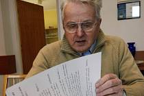 Psaní obecní kroniky se pro Miroslava Houšku stalo velkým koníčkem.