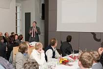 Pravidelné setkání pořádané Okresní hospodářskou komorou Pelhřimov tentokrát poctili svou návštěvou ministr financí Andrej Babiš a poslanec hnutí ANO z Pelhřimovska Josef Kott.