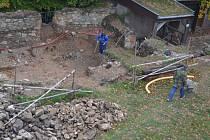 Archeologové tušili, že by vedle provozního domku na Orlíku mohli najít zajímavé relikty. Jejich předpoklady se vzávěru loňského roku potvrdily. Našli druhou hradní kuchyň (na snímku), kterou chtějí už letos využívat.