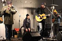 Na náměstí vystoupila kapela Václav Polanský & On Air.