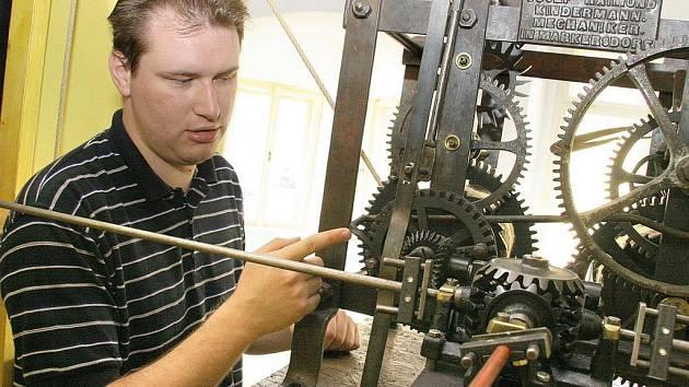 Až do konce září mají návštěvníci pelhřimovského muzea možnost shlédnout rozsáhlou výstavu časoměrných zařízení, která je připravena ve spolupráci s Technickým muzeem v Brně.