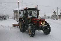 Sníh ve čtvrtek potrápil i řidiče na Pelhřimovsku.