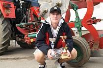 Petr Duben na Mistrovství České republiky v orbě traktorem obhájil loňské umístění. Letos se dostal i na mistrovství Evropy. Tam mu ale štěstěna nepřála.