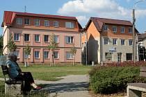 Obecní byty v Senožatech.