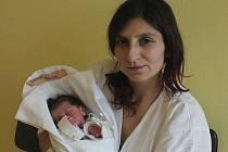 Prvním dítětem roku 2014 narozeným v Kraji Vysočina je Nikolas Bartoš z Humpolce (na snímku s maminkou Marcelou). Narodil se v Pelhřimově 1. ledna ve 2.16 hodin ráno.
