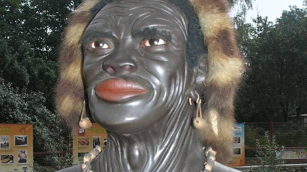 Jedna z nejstarších voskových figurín světa. Torzo muže z Velikonočních ostrovů.