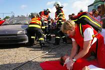 Evropský den bez aut nabídl i simulaci zásahu u dopravní nehody.