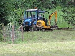 Aktuálně v parku probíhají terénní práce, kdy tam dochází k budování  nových pěšinek.