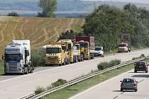 Mezi 81. a 88. kilometrem dálnice D1 dochází k největšímu počtu nehod. Problémy zde mají řidiči hlavně při dešti