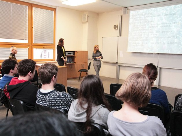 Studentská minikonference Migrace očima studentů se ve středu uskutečnila v aule pelhřimovského gymnázia.
