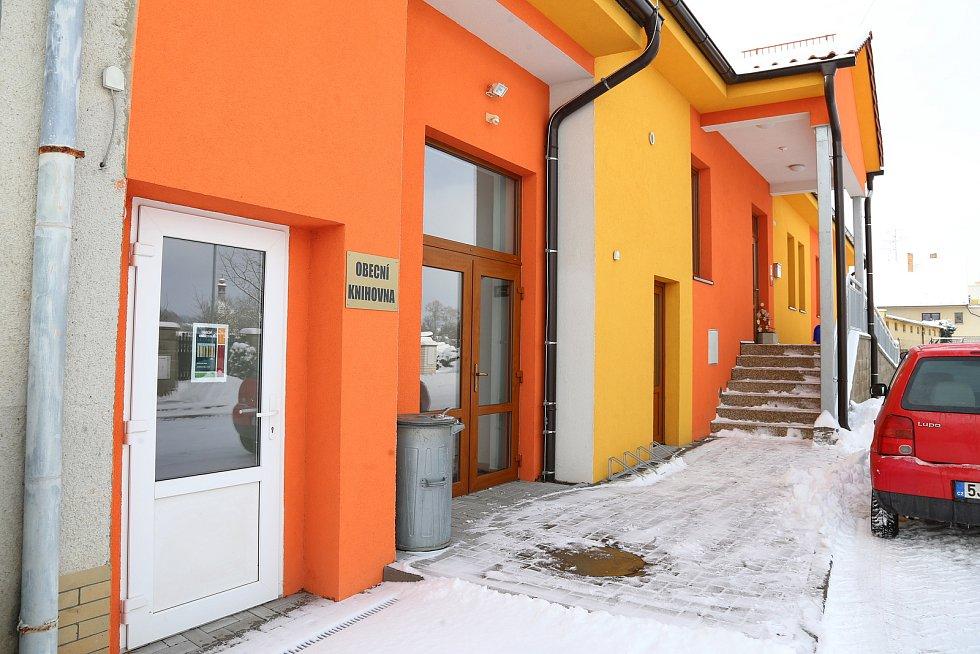 Knihovna v Obratani.