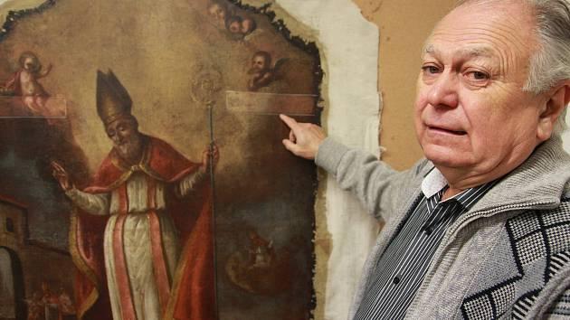 Restaurátor Jaroslav Benda v současnosti ve svém restaurátorském ateliéru pracuje na obnově oltáře svatého Mikuláše z poloviny osmnáctého století, jednoho z bočních oltářů v pelhřimovském kostele svatého Bartoloměje.