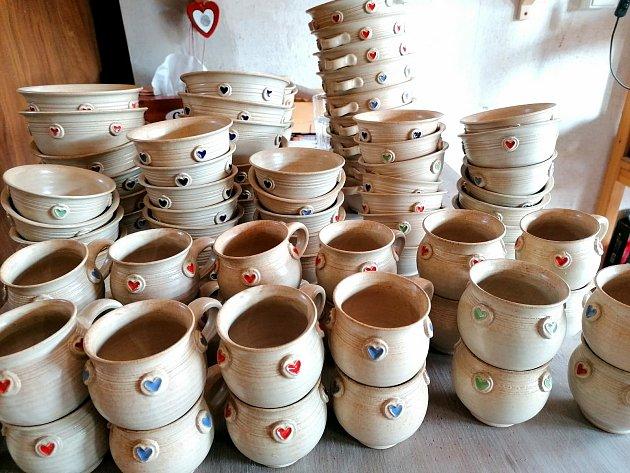 Kateřina Netolická a Denisa Špundová vyrábí vMnichu keramiku pod značkou Minet.