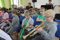 Koncert ZUŠ Kamenice nad Lipou pro děti z dubovické školky