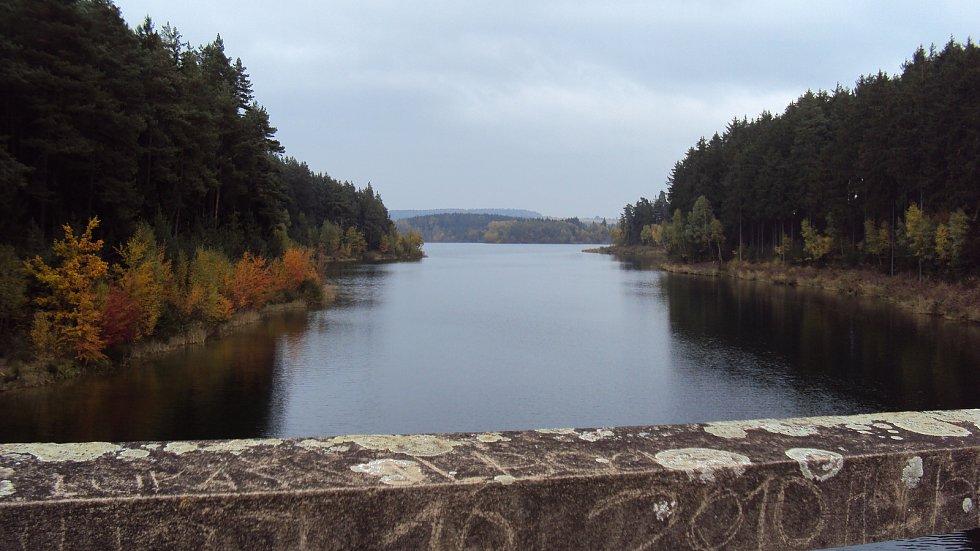 """Zatopené """"Hitlerovy"""" mosty u Borovska."""
