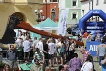 Rekordně velkou sekeru budou moci návštěvníci veletrhu cestovního ruchu v Brně obdivovat od čtvrtka 14. ledna do neděle 17. ledna. Dopraví ji tam pracovníci agentury Dobrý den.