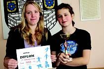 Martina a Iveta získaly první místo v krajském klání ve stolním tenisu