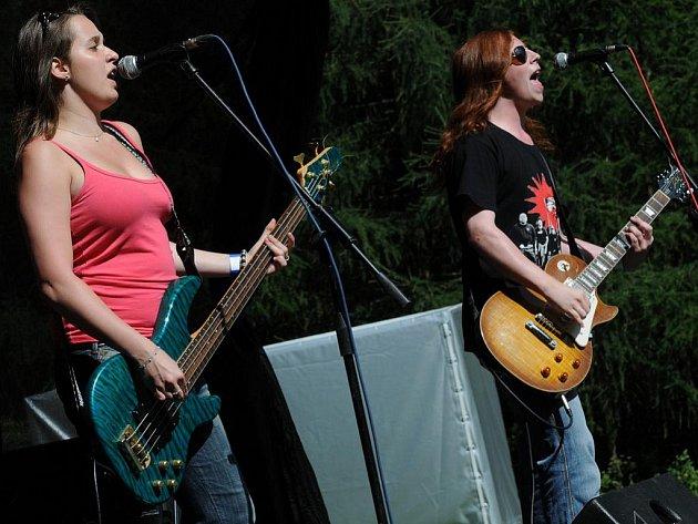 Mladičká kapela Výprodej vystoupila na letošním Independent Festu jako první.
