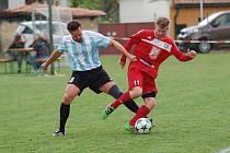 Duel Košetic a Velkého Meziříčí B byl spíše jen bojem než hezkým fotbalem. Nepomohlo ani uplakané počasí.
