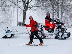 Ne vždy byly stopy připravené ideálně, spokojenost lyžařů však jasně převažovala.