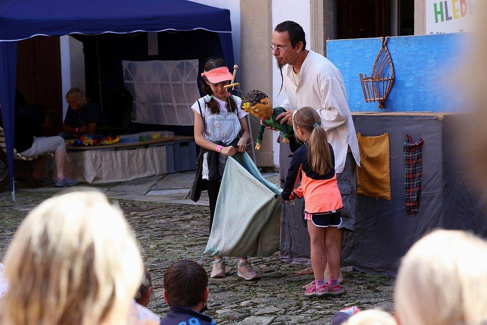Na zámku v Kamenici nad Lipou se koná patnáctý ročník Hračkobraní.