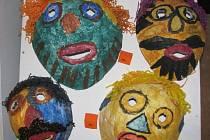 Tento týden naposledy bude možné zhlédnout v galerii Bernarda Bolzana v Těchobuzi výstavu prací, které zhotovili mentálně postižení lidé z ústavů v Těchobuzi, Pacově, Černovicích a v Pelhřimově.