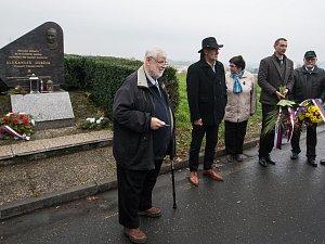 U Dubčekova pomníku se sešli zajímaví hosté