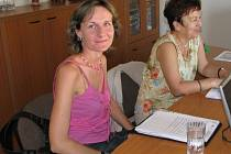 Hostem v redakci Pelhřimovského deníku jsou Eva Kimmerová - vedoucí protiepidemického oddělení Hygienické stanice v Pelhřimově a Markéta Vaňková z oddělení hygieny dětí a mládeže.
