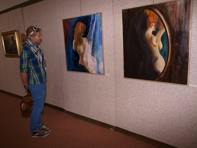 Žena v obraze, tak se jmenuje výstava v humpoleckém Muzeu doktora Aleše Hrdličky.